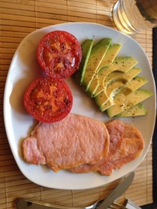 !/2 Avo, 3 thin slices (about 150 grams) of Peameal bacon, 1 pan roasted tomato and fried in a smidge of butter